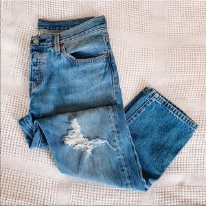 LEVI'S DISTRESSED 501 JEANS